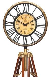 Часы напольные на треноге