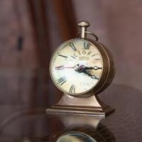 Часы настольные глобус