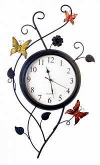 Часы настенные с бабочкой