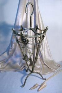 Подставка для зонтов с кистями